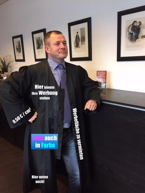 Immer noch keine Werbung auf der Robe erlaubt